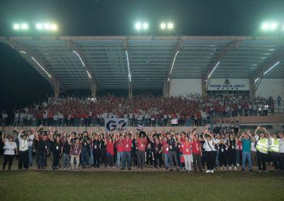 4300 volunteers!